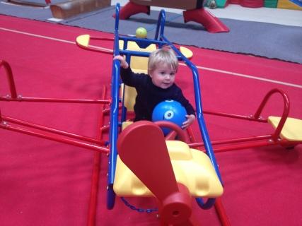 play gym aeroplane